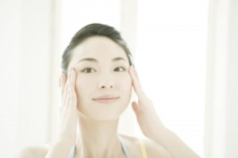 顔のむくみをマッサージで解消!朝3分のすっきりテク