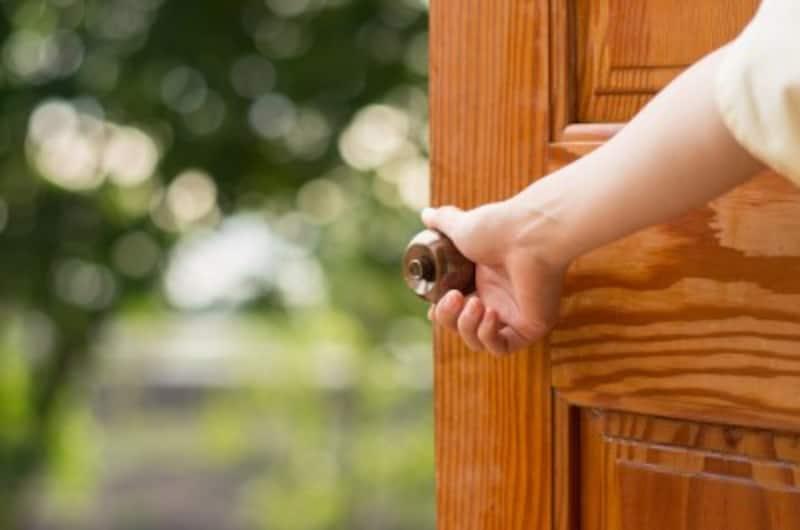 扉を開けて、夫への不信感から抜け出すためには?