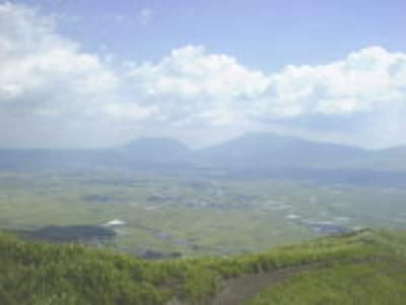 大観峰からの阿蘇の山々の眺め