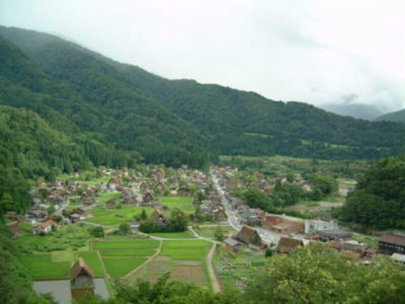 荻町城址から眺める白川郷