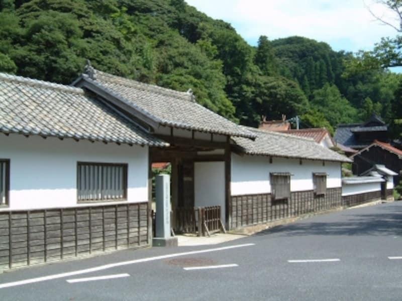 大森代官所跡の門