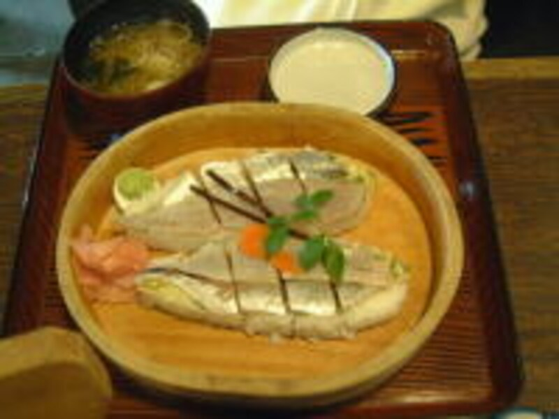 あじ姿寿司