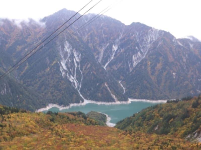 立山ロープウェイから眺める紅葉(2)