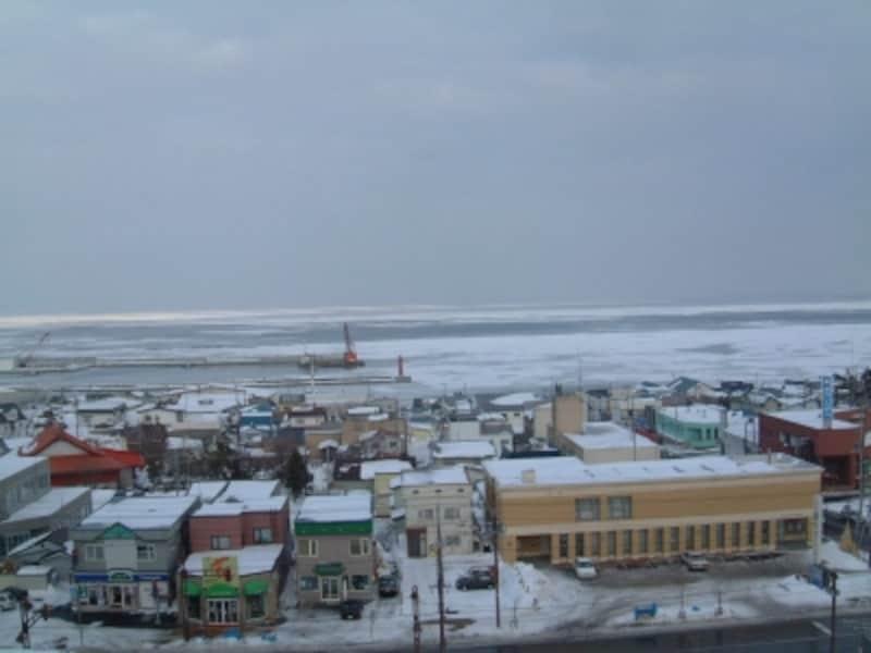 道の駅おうむから眺める流氷(1)
