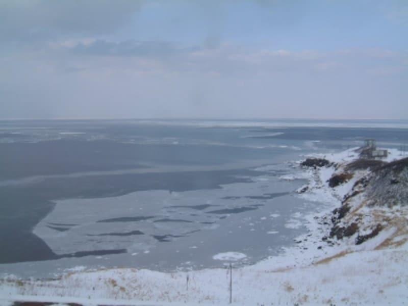 ホテル日の出岬から眺めるオホーツク海と流氷