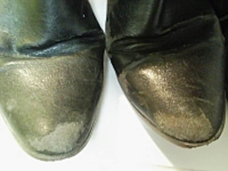 汚れた靴を補修する方法