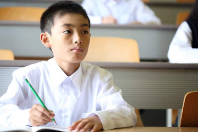 国語力を伸ばすには、国語テストの本文中に線を引く