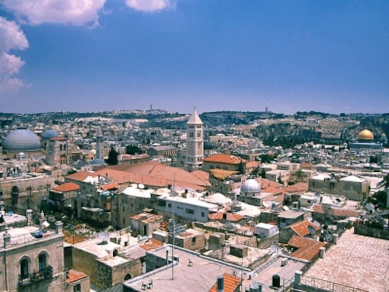 城壁の上から見た旧市街