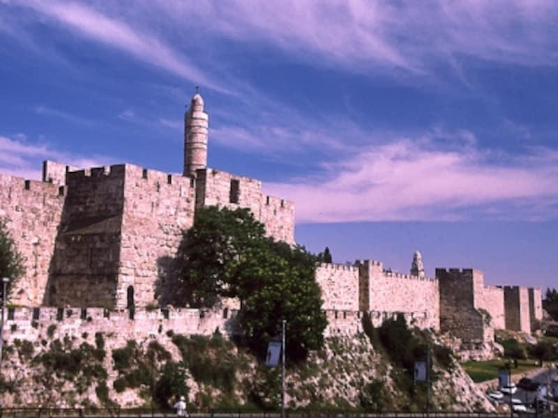 旧市街の城壁とダビデの塔