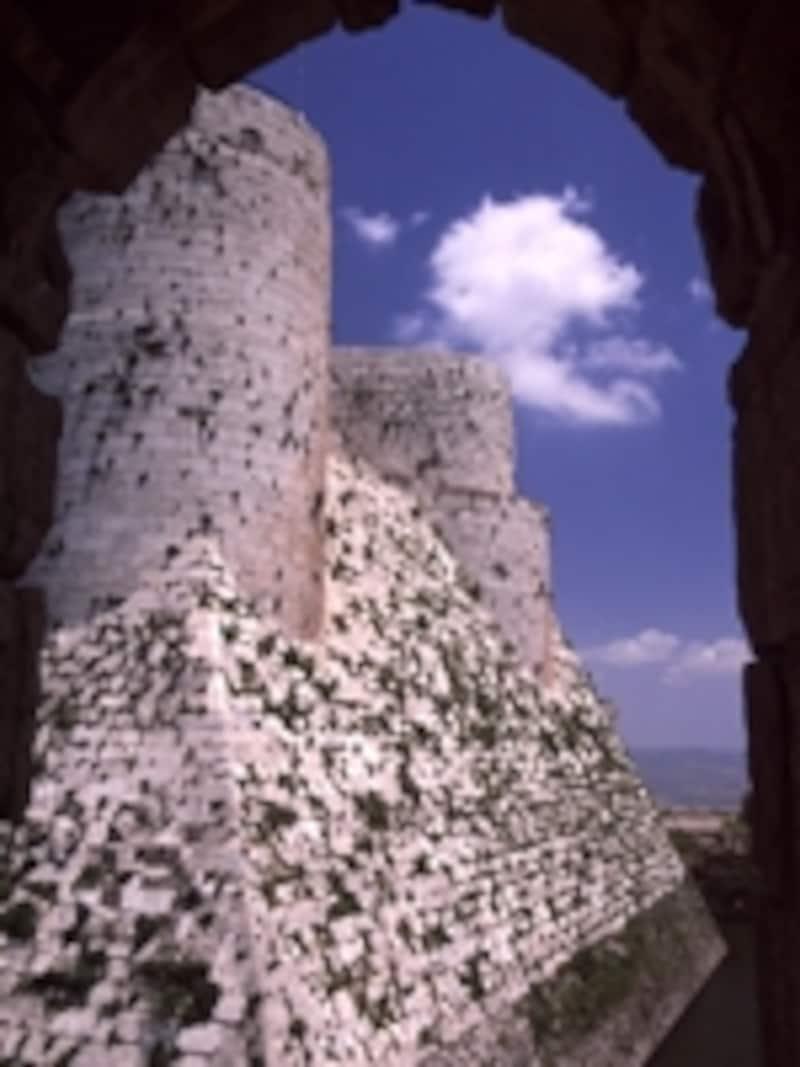 クラック・デ・シュバリエの白壁