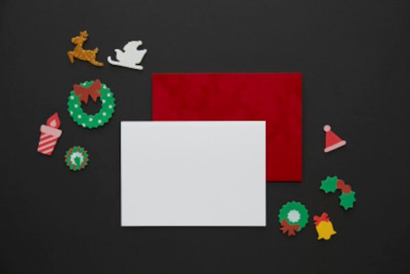 クリスマスカードの英語の書き方を基本的な例文と実例とともに紹介