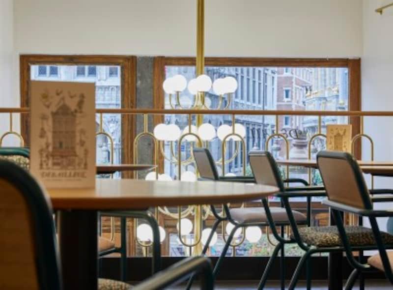 グラン・プラスにあるドゥバイヨルの旗艦店