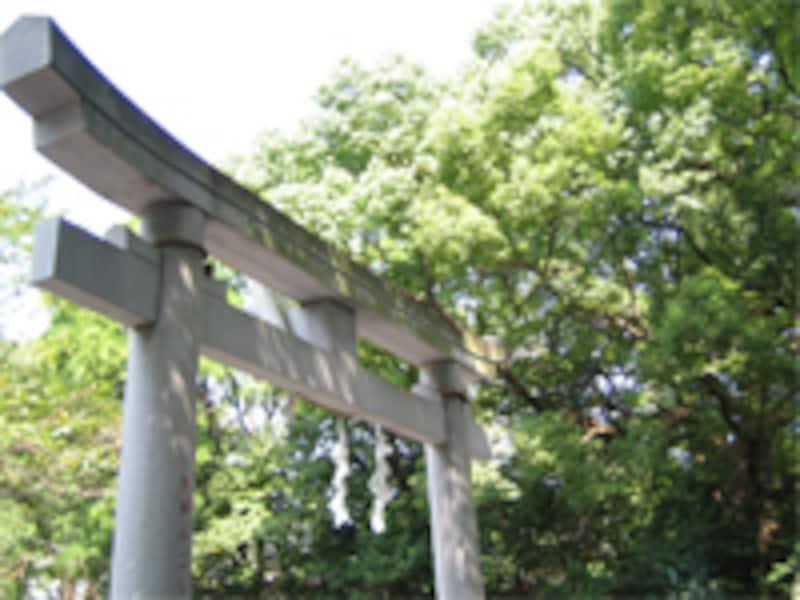 神道では死は「ケガレ」。お社内にケガレを持ち込んではいけませんので、葬儀は別の場所で行います。