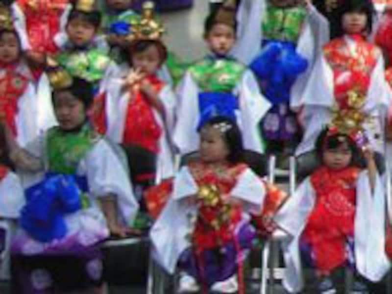 稚児行列の参加費用は1000円~8000円とお寺によって異なります。