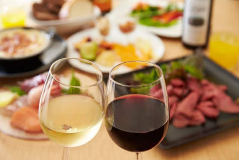 ごちそうを食べるイベントは計画的に。いつもなんとなく外食したり飲みに行くのは、太るモト!