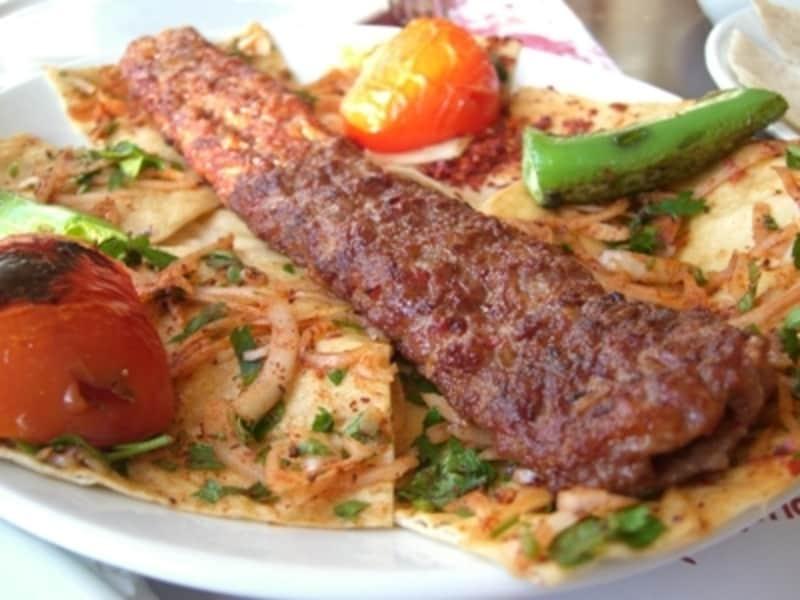 最もポピュラーなトルコ料理はケバブ類