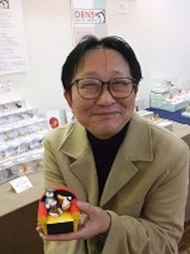 犬のフィギュア作家 伝陽一郎さん
