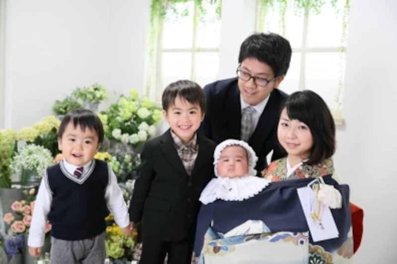 お宮参りの赤ちゃんの服装…着物やベビードレスの衣装が人気。レンタルもOK