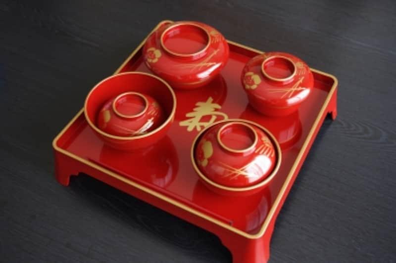 漆器の祝い膳が本格的!ベビー食器で代用OK膳でなくても、ベビー食器で代用OK