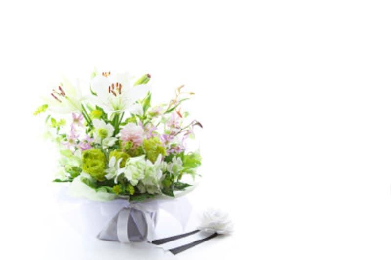 葬式後の香典・供物・お悔やみの手紙の書き方などを解説