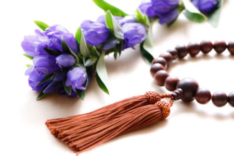 数珠は、持っているだけで魔除け厄除けとなり、また福を授かるそう