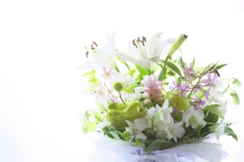 会社の関係者として参列するときは、一般の葬儀と基本的に同じです。