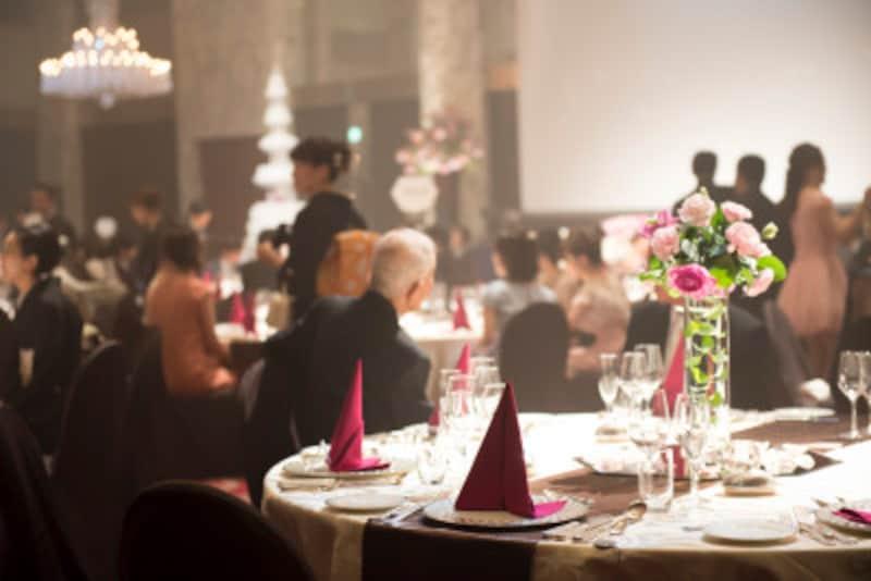 結婚式・披露宴の食事マナー!ナプキンやフォークの使い方は?