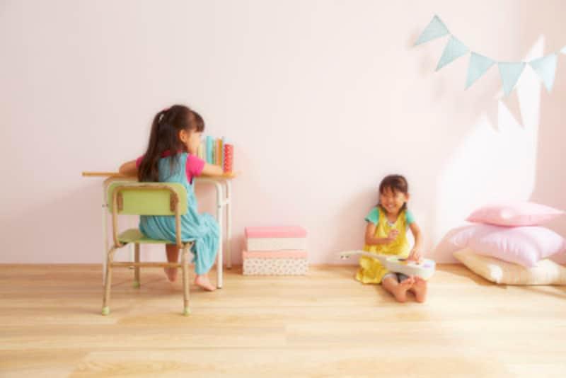 最近では会場によって、託児サービスのある式場も増えてます。是非相談してみてはいかがでしょうか。