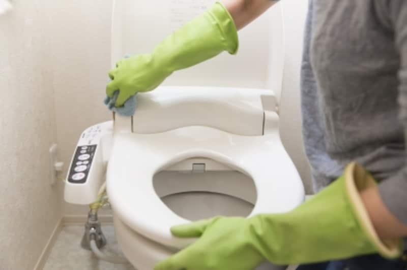故障などのトラブルを避けるためにも、定期的なトイレ掃除をお忘れなく