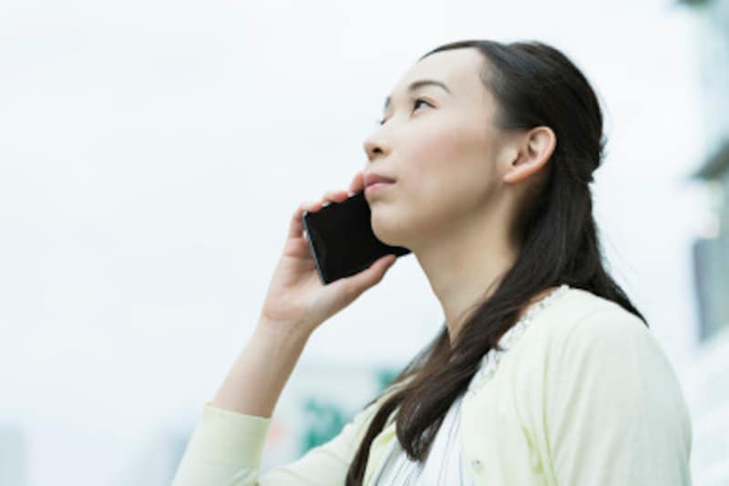 一人暮らしが帰省・旅行で長期間家を空けるときの注意点:長く家を空けているときは、出先から留守番電話を確認しましょう。留守電がいっぱいになったままだと外出していることが知られてしまうことがあります。不要なメッセージはその都度消して