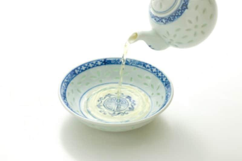 米酢など穀物酢は価格も安く、手軽に使える自然農薬になる