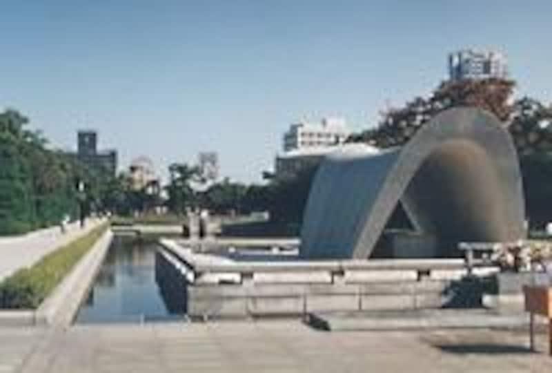 《広島》平和記念公園と原爆ドーム