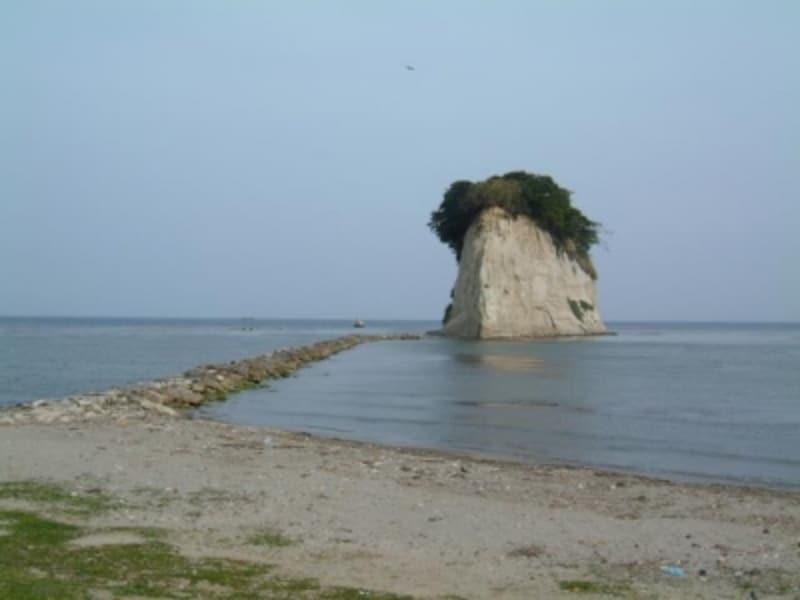 《能登》軍艦島(見附島)