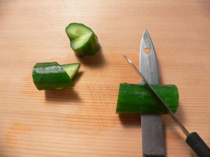 切り違いきゅうりの切り方・画像・方法・飾り切り