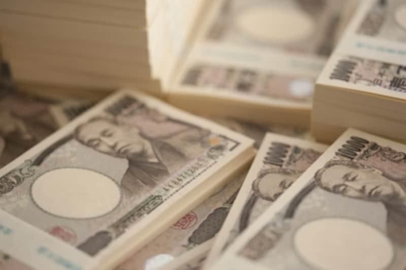まずは100万円貯金を達成するために、どうやって貯める?