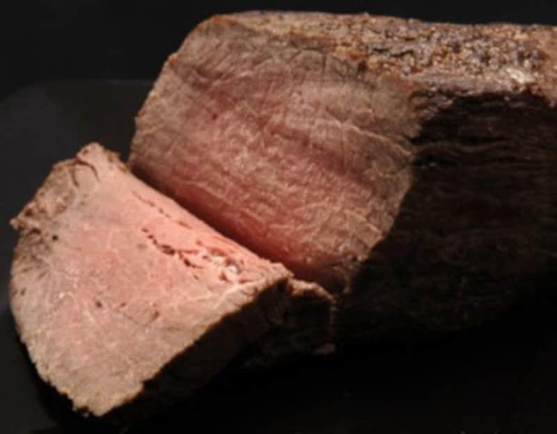 ローストビーフをマリネ野菜と!美味しい肉料理レシピ
