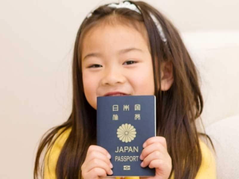 子供や赤ちゃんのパスポート申請時の注意点は?
