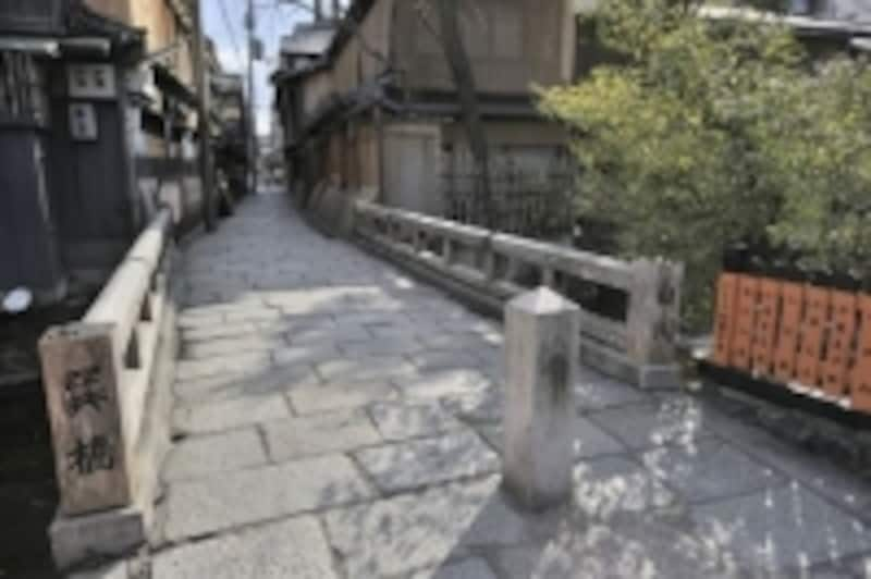 写真撮るならまずはここ!祇園にある辰巳(たつみ)橋