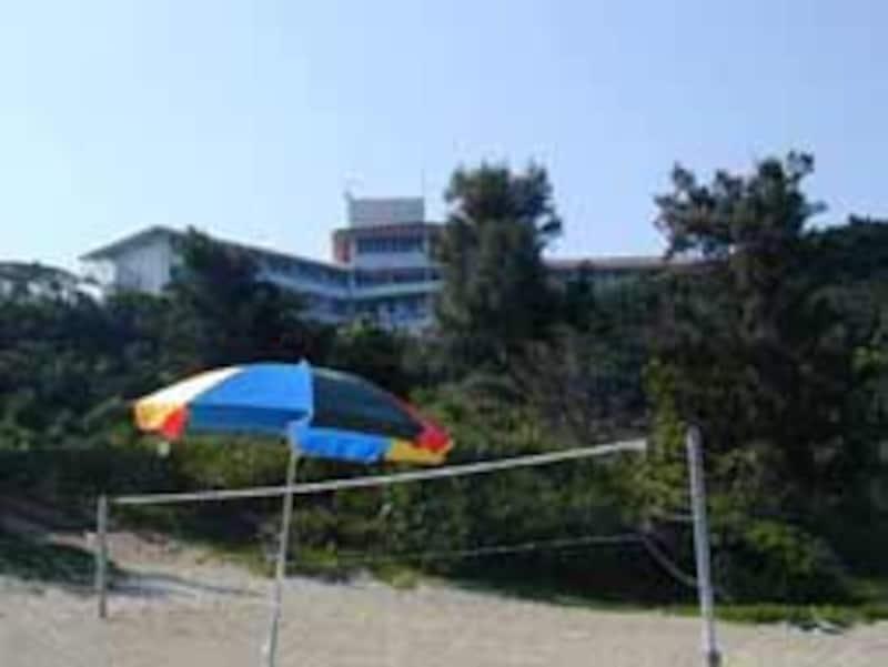 高台に立つ絶景の浜比嘉ホテル