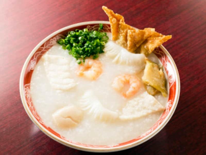 12種類あるお粥のメニューで一番人気があるのが、龍仙粥(750円)。馬さんの店 龍仙は朝7:00からオープンしているので、朝粥にぴったり(撮影:小林恵介)