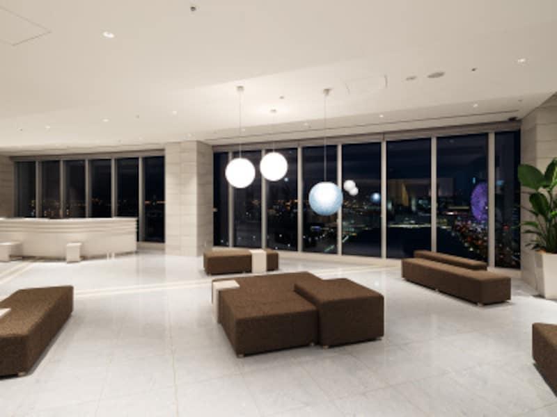 フロントは最上階となる20階に。チェックインの際、その眺望の良さに驚くこと、間違いなし(画像提供:ホテルビスタプレミオ横浜)