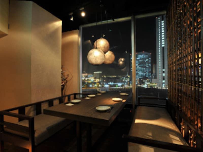 夜景の見える個室もあります。人気なので予約はお早めに(画像提供:千の庭HANARE桜木町店)