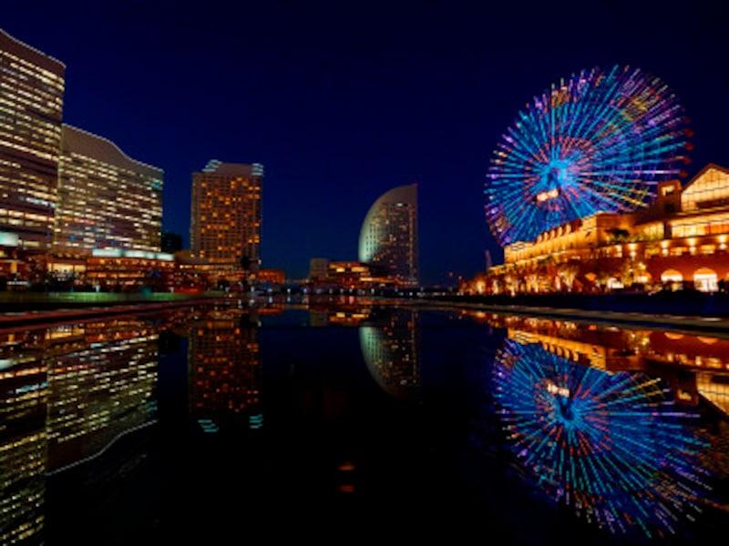 「ル・グラン・ブルー」のデッキからはダイナミックなみなとみらいの夜景が広がります(画像提供:ヨコハマグランドインターコンチネンタルホテル)