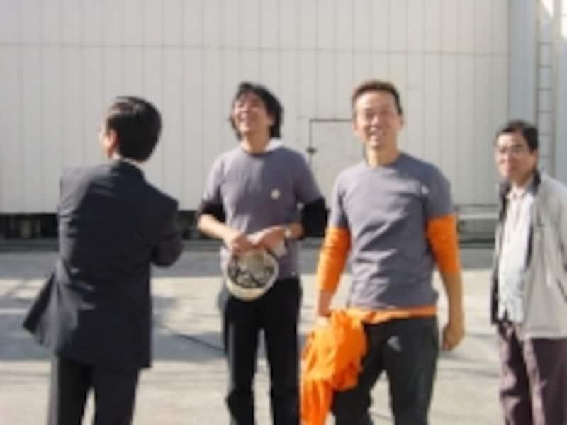 中央左…室井氏、中央右…椿氏