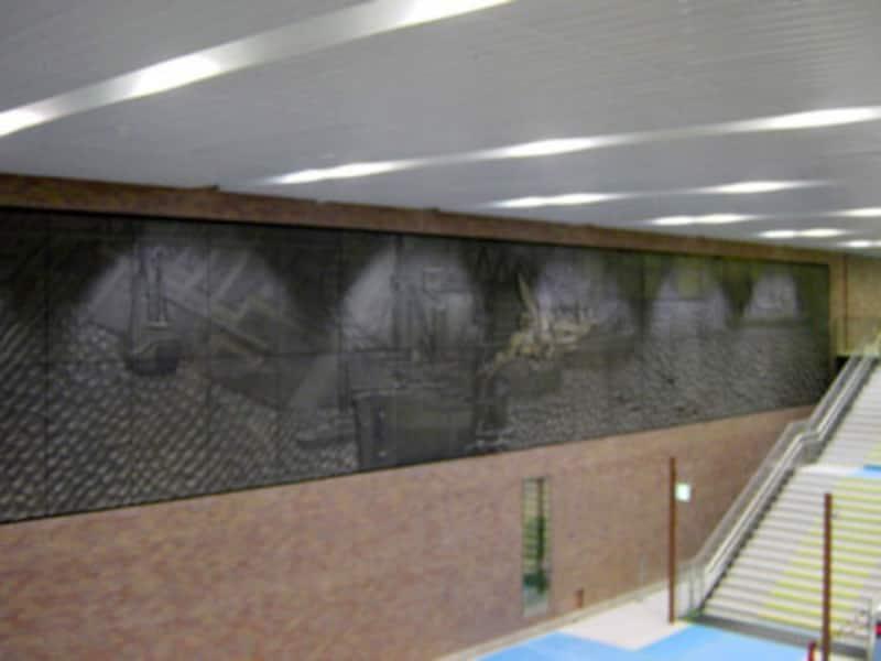 横浜銀行旧本店にあった中村順平氏のレリーフ(2004年1月10日撮影)