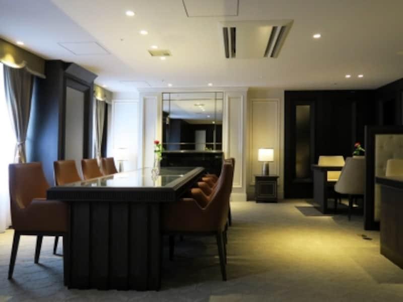 サロンやVIPルーム、来賓控室などに利用される「パームルーム」もリニューアル。デザインのモチーフは「クラウン」(2016年10月3日撮影)