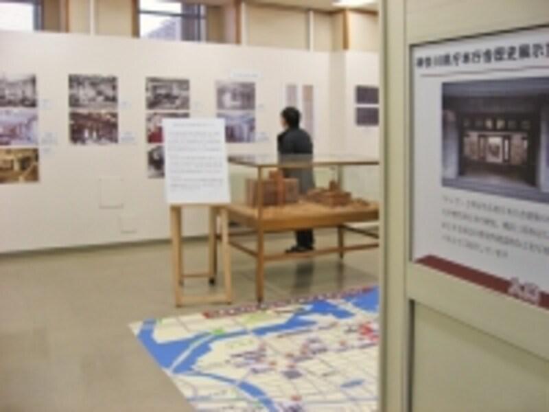 6階の展示コーナーでは、神奈川県庁舎の歴史などがわかる模型やパネルが展示されています