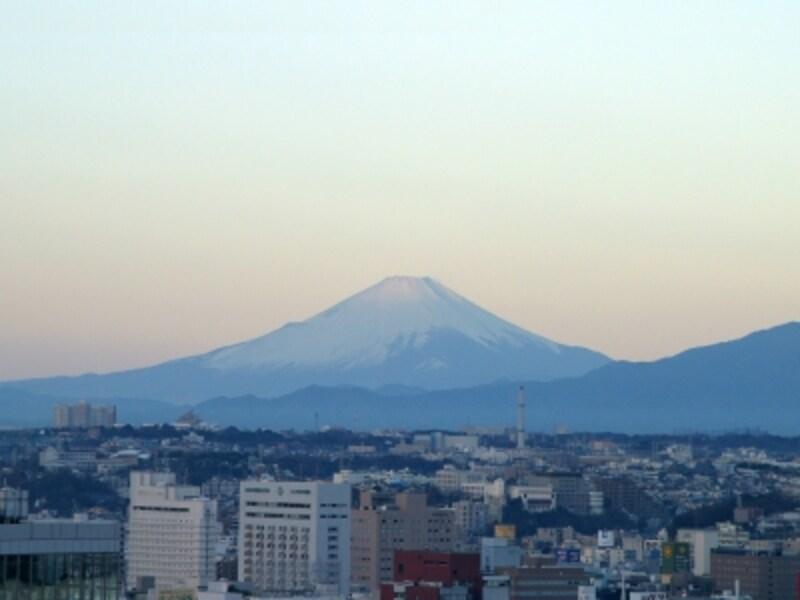 西側(柱番号16番)には富士山の姿がくっきりと見えました!(2013年1月1日撮影)