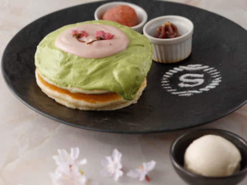 春のパンケーキ~さくら餡添え~(1950円税・サ料込)画像提供:横浜ベイシェラトンホテル&タワーズ)
