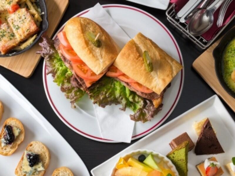 ディナータイムは前菜からパスタ、ステーキ、スイーツまで、アラカルトで豊富なメニューを提供undefined※画像はメニュー一例(画像提供:新横浜ラントラクト)